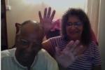 2014-01-01-0027-mauritius-mum-dad-waving