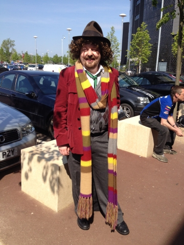 ‎2014-05-16-tom-baker-doctor-who-cosplayer-collectormania-milton-keynes